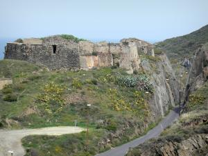 Vermilion coast - Remains of the Mailly redoubt, in Port-Vendres