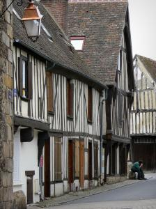 Verneuil-sur-Avre - Facades of half-timbered houses in the medieval town