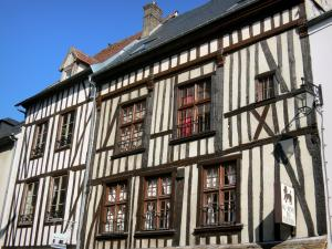 Vernon - Facades of half-timbered houses