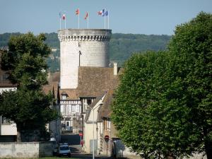 Vernon - Archives tower (keep the old medieval castle) overlooking the old town of Vernon