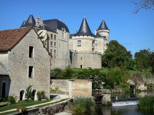 Verteuil-sur-Charente - Tourism, holidays & weekends guide in the Charente