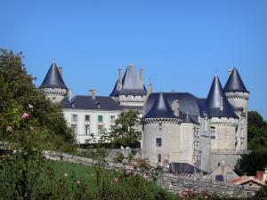 Verteuil-sur-Charente - Castle flanked by towers, rosebushes (roses); in the Charente valley