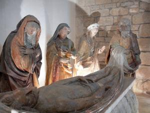 Verteuil-sur-Charente - Saint-Médard church: statue of the entombment of christ