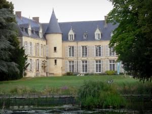 Vexin Français Regional Nature Park - Château de Théméricourt (rural manor) home to the Maison du Parc, meadow, pond and trees