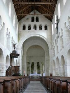 Vignory church - Inside the Saint-Etienne Romanesque church: nave and choir