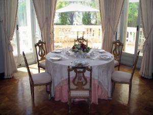 Villa Ephrussi de Rothschild - Inside of the palace: dining room