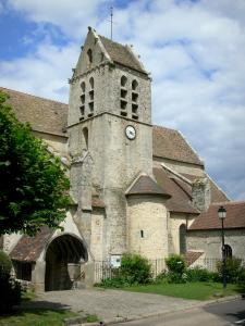 Villeconin - Saint-Aubin church and its tower; in the La Renarde valley