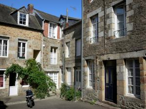 Villedieu-les-Poêles - Houses in the town of copper (old town)