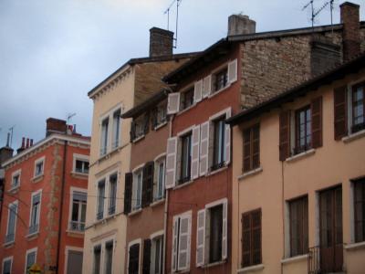 Villefranche sur sa ne tourism holiday guide - Piscine de villefranche sur saone ...