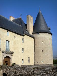 Villeneuve - Entrance and round tower of the the castle of Villeneuve-Lembron