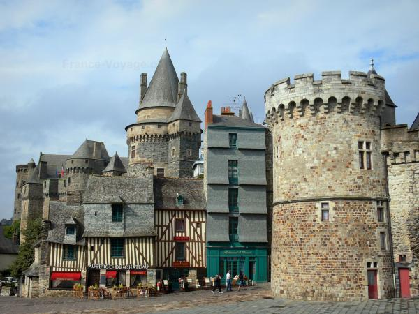 Vitré - Fortified castle (fortress) and old houses of the En-Bas street