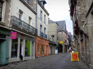 Vitré - Houses and shops of the Potterie street