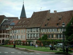 Wissembourg - Flower-bedecked park, old houses and bell tower