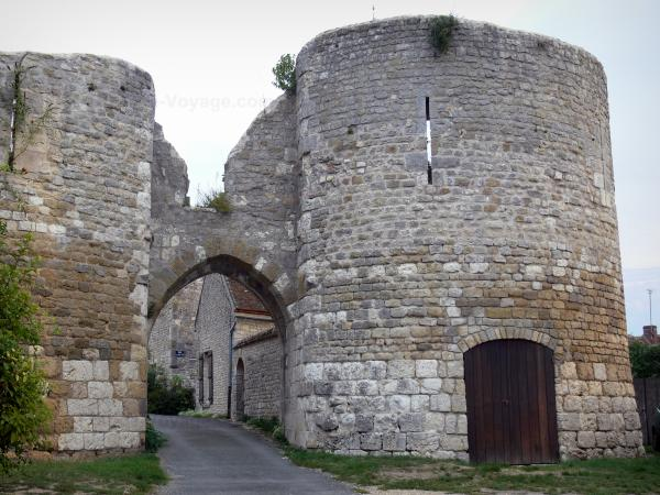 Yèvre-le-Châtel - Tourism, holidays & weekends guide in the Loiret