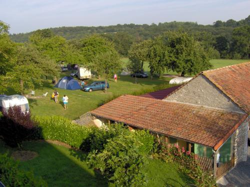 Aire naturelle du Moulin Foulon - Camping - Vacances & week-end à Noron-la-Poterie