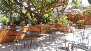 L Amour Dans Le Four Hotel Anis Restaurant In Nice