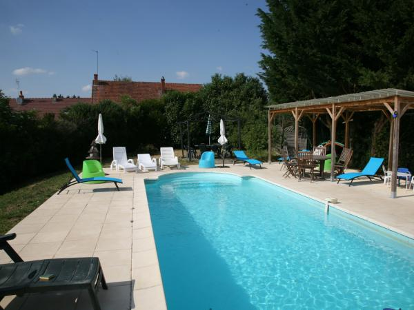 Ancien resto. Family Fun Sleeps 12 - Rental - Holidays & weekends in Marcilly-Ogny