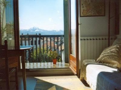 appartement hendaye location de vacances hendaye. Black Bedroom Furniture Sets. Home Design Ideas