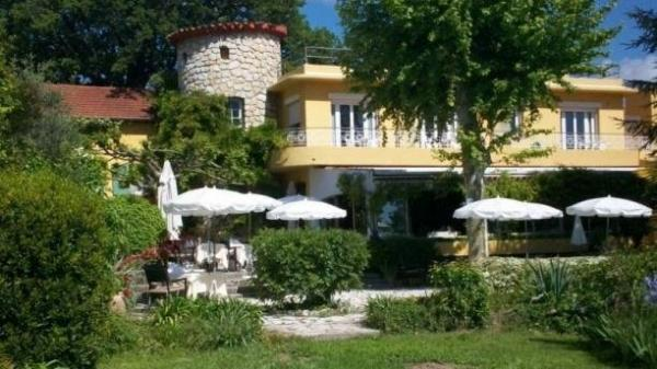 Auberge du Colombier - Restaurant - Vacances & week-end à Roquefort-les-Pins