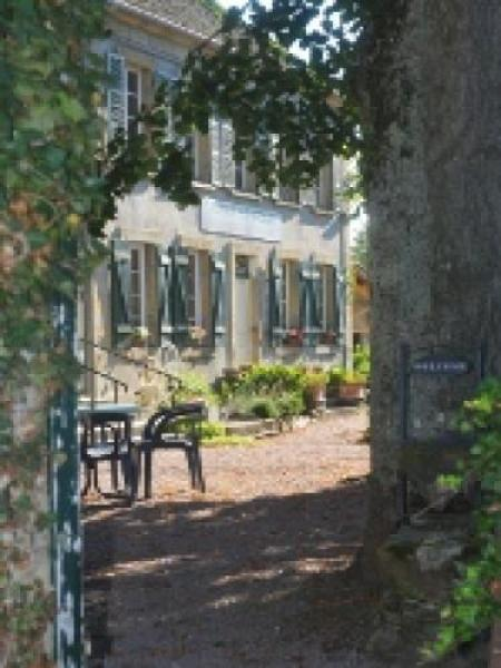 Auberge Le Grillon - Bed & breakfast - Holidays & weekends in Sully