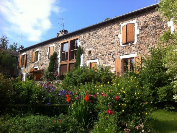 Bed and breakfast - Table of Castle Farms - Bed & breakfast - Holidays & weekends in Saint-Maurice-de-Lignon