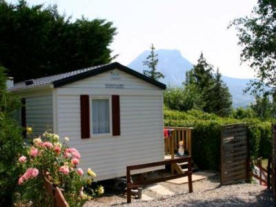 belv d re de l 39 obiou campingplatz in saint laurent en beaumont. Black Bedroom Furniture Sets. Home Design Ideas