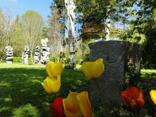 Bilder les cabanes du jardin de pierre g stezimmer in for Cabanes du jardin de pierre