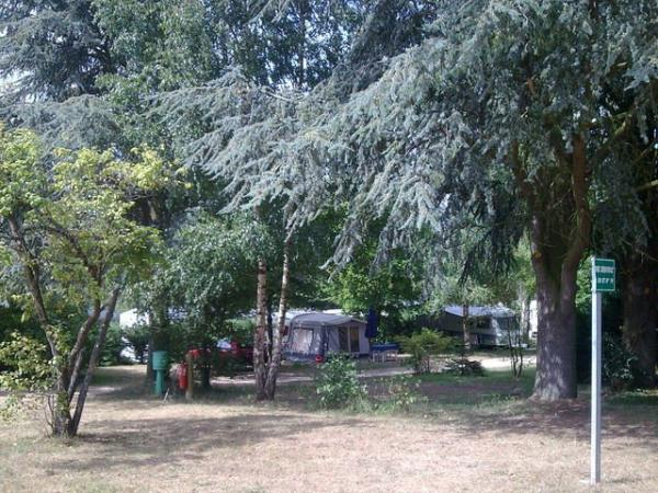 Camping les Araucarias - Campeggio - Vacanze e Weekend a Carlepont