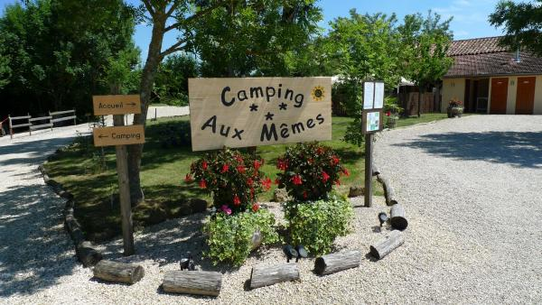 Camping Aux Mêmes - Campsite - Holidays & weekends in Bellegarde