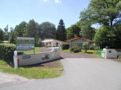 campsites in clermont ferrand holidays weekends. Black Bedroom Furniture Sets. Home Design Ideas