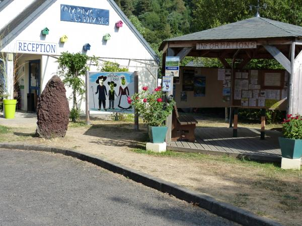 Camping les bombes - Camping - Vacances & week-end à Chambon-sur-Lac