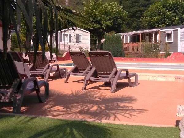 Camping La Bourie - Camping - Vacances & week-end à Hèches