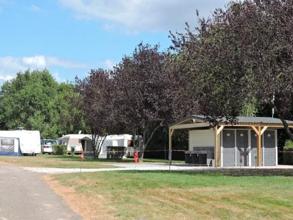 Camping la Chesnaie - Campsite - Holidays & weekends in Saint-Denis-du-Maine