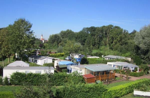 Camping Les Colombes - Campsite - Holidays & weekends in Aubencheul-au-Bac