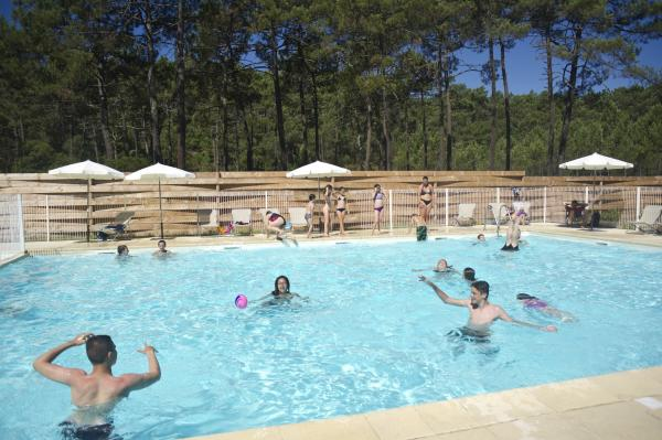 Camping Huttopia Lac de Carcans - Campsite - Holidays & weekends in Carcans