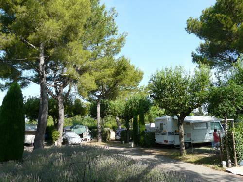 Camping Monplaisir - Campsite - Holidays & weekends in Saint-Rémy-de-Provence