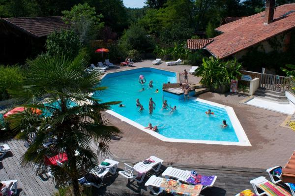 Camping le Pin - Camping - Vacances & week-end à Saint-Justin