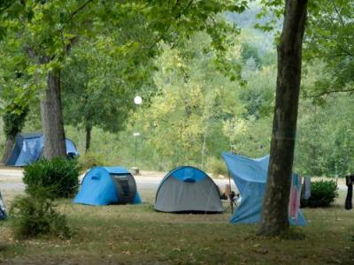 Camping le pont du tarn camping florac trois rivi res for Camping lozere piscine