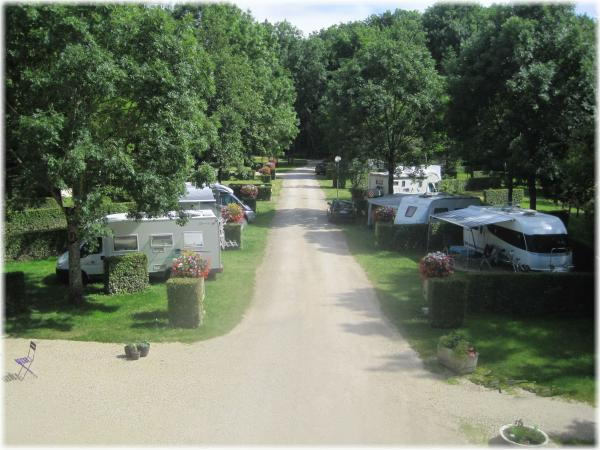 Camping du Serein - Campsite - Holidays & weekends in Chablis