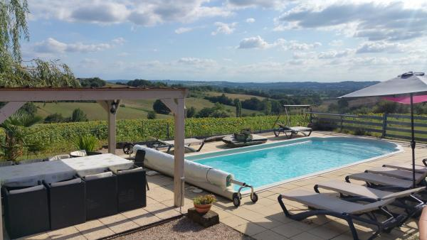abb77a1df46ce Casa de campo para 8 10 personas con spa y piscina. Alquiler - Vacaciones y  fines de semana en Beaumarchés