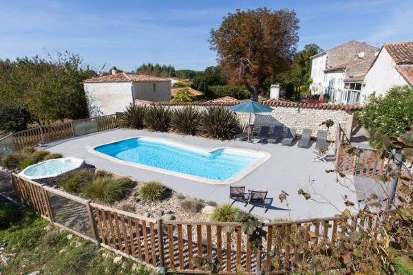 Le Chai : gîte à 15 km de Royan - Rental - Holidays & weekends in Saint-Romain-de-Benet