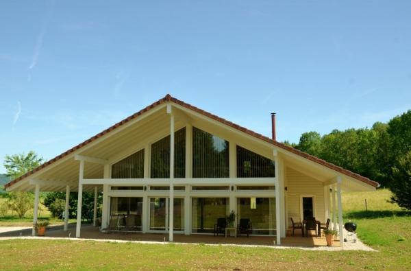 chalet bien tre 5 sauna baln o lac chalain location de vacances marigny. Black Bedroom Furniture Sets. Home Design Ideas