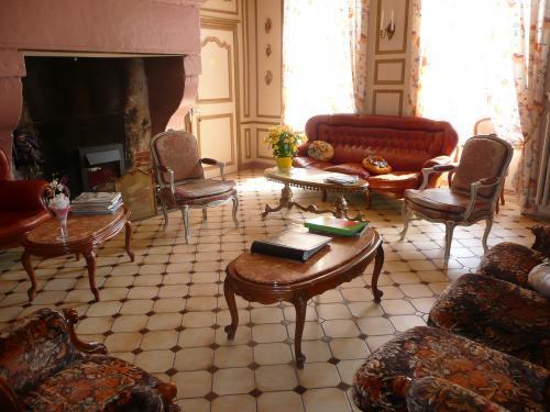photos chateau de labessiere chambre d 39 h tes ancemont. Black Bedroom Furniture Sets. Home Design Ideas