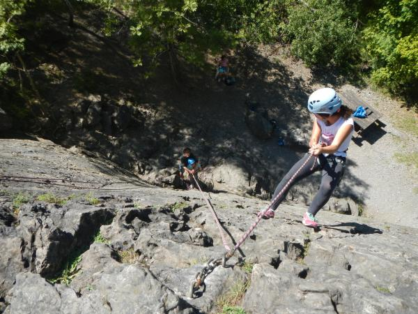 Cliff climbing lessons for all abilities - Activity - Holidays & weekends in Campan
