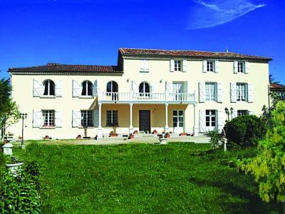 Montbron toerisme vakantie weekend for Jardin kashmir angouleme