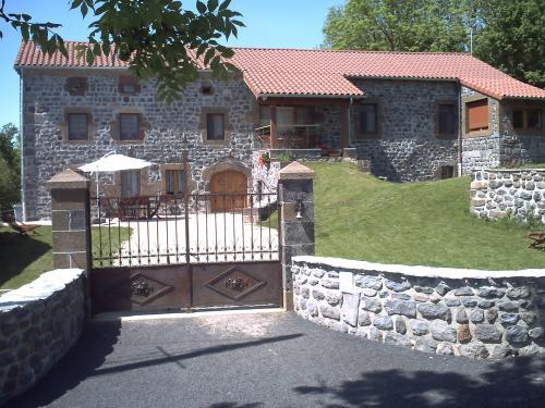 Le clos des pierres rouges - Bed & breakfast - Holidays & weekends in Saint-Privat-d'Allier