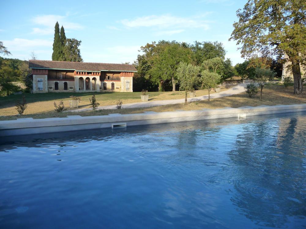 Photos le domaine de lajean location de vacances jegun for Baise dans la piscine