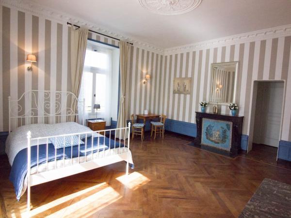 Domaine des lilas chambre d 39 h tes saint germain lembron for Week end chambre d hotes