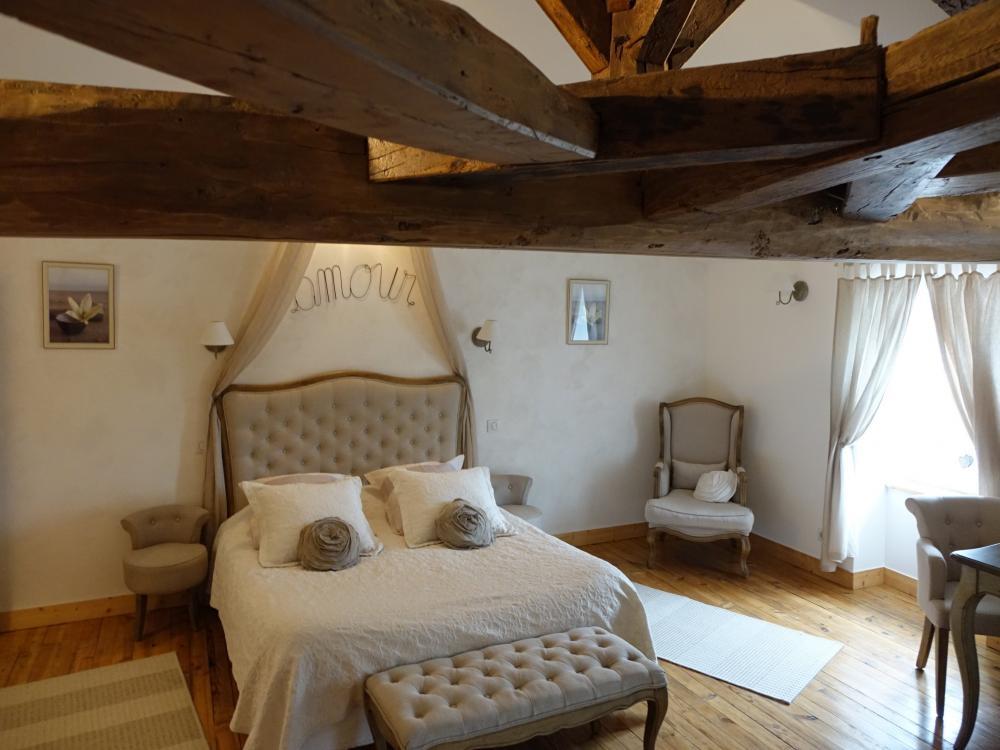 photos la fompatoise chambre d 39 h tes v rines. Black Bedroom Furniture Sets. Home Design Ideas