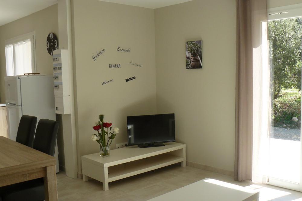 photos gite les lauzes de saint michel entrechaux location de vacances entrechaux. Black Bedroom Furniture Sets. Home Design Ideas
